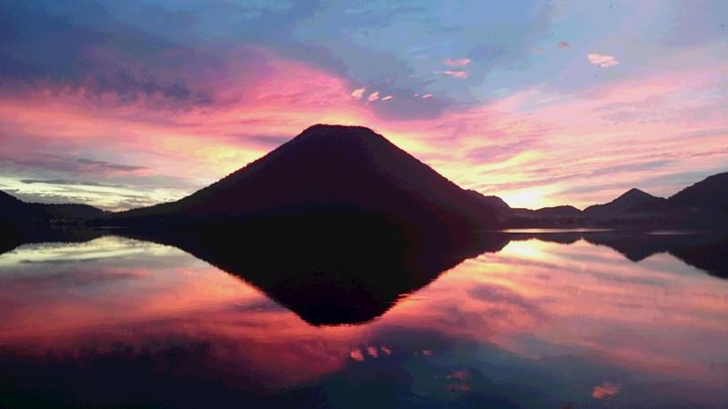 9月28日朝焼けの榛名富士