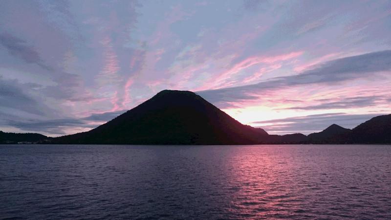 10月4日朝焼けの榛名湖