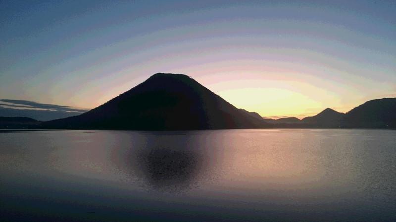 10月10日朝焼けの榛名湖